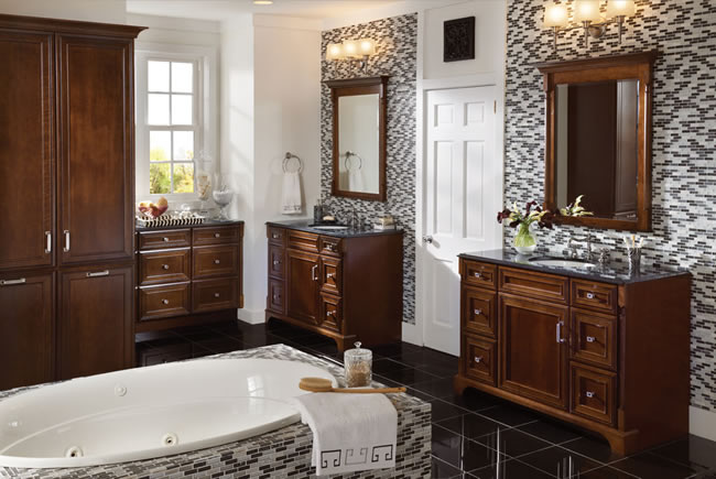 Bathroom ideas bathroom design bathroom vanities for Traditional master bathroom ideas