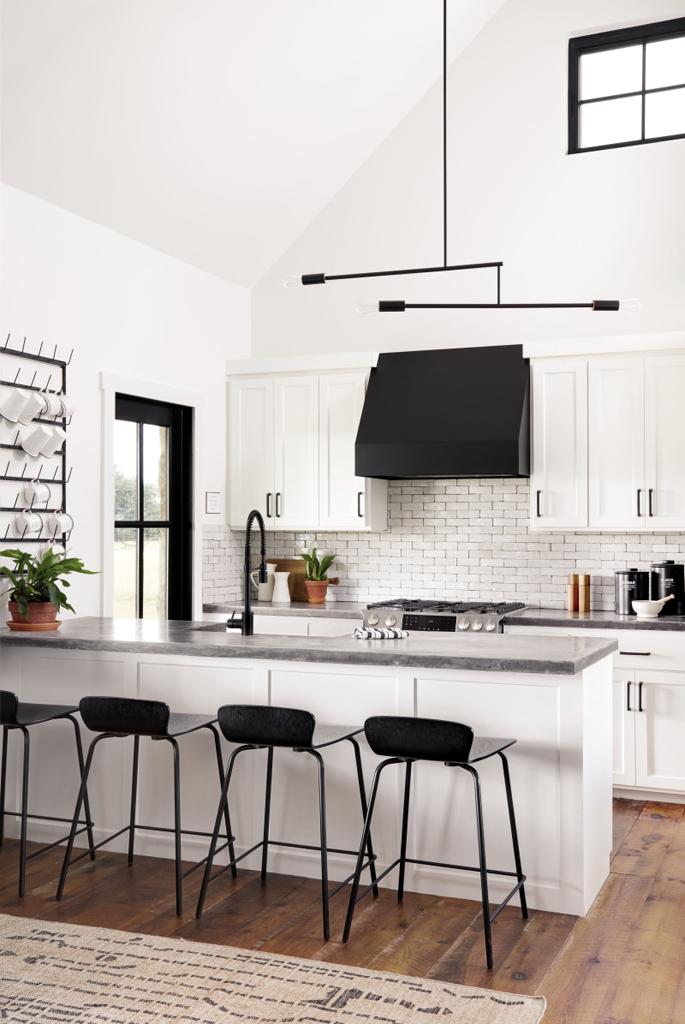 Trend Alert: Black and White Kitchens